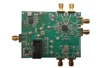 通过降压转换器供电的 TIDA-00885 9.8GHz 高性能射频合成器参考设计电路板图像